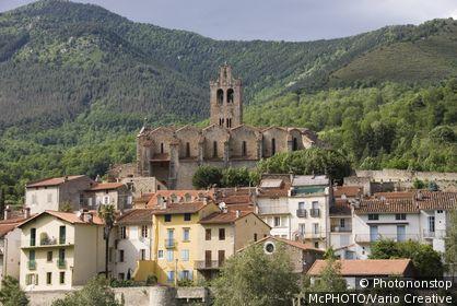 France, Pyrenees, Pyrenäen, Prats de Mollo la Preste, Kirche und Stadtansicht, Kirche Eglise Saintes Juste et Ruffine