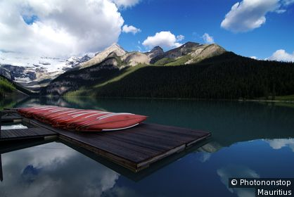 Kanada, Alberta, Banff-Nationalpark, Lake Louise, Steg, Kanus,
