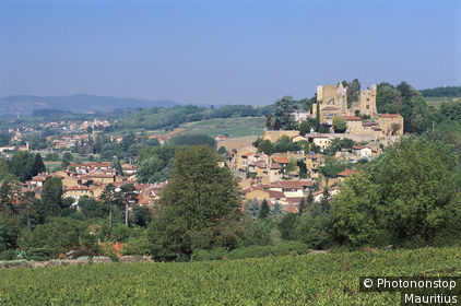 69. Beaujolais, Chatillon d'Azergues, vue générale