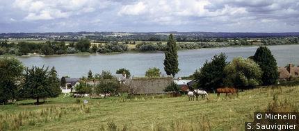 Vue étendue de Vieux-Port et la Seine
