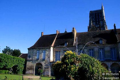 Ancien évêché et Jardins Bossuet