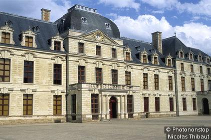 Thouars, chateau des ducs de la Tremoille