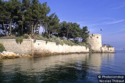83 La Seyne sur Mer, le fort Balaguier (edifie en 1636 pour proteger la rade de Toulon)