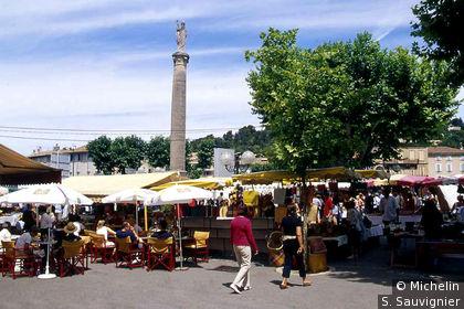 Cours et place Lauze-de-Perret