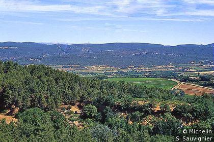 Vue étendue des environs de Roussillon