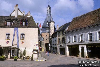 89 Saint Fargeau, (Puisaye), le village