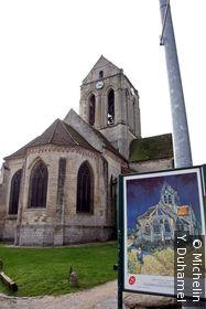 Eglise Notre-Dame et tableau de Van Gogh