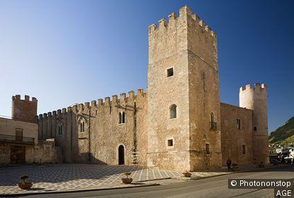 Italie;Sicile - Italy, Italia, Sicily, Sicilia, Alcamo town, Count of Modica castle