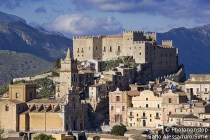 Italie, Sicile, Caccamo, Zone Méditerranéenne, Province de Palermo - Monte San Calògero Nature Reserve, Castle