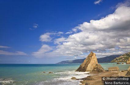 Italie, Sicile, Capo d'Orlando, Zone Méditerranéenne, Province de Messina, Costa Saracena - San Gregorio beach