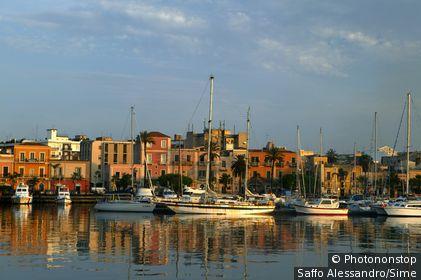 Italie;Sicile - Italy, Italia, Sicily, Sicilia, Milazzo town, harbour