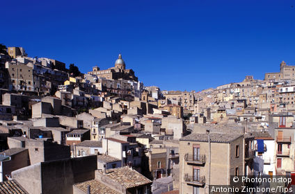 Italy, Sicily, Piazza Armerina,city view