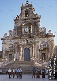 Italie, Sicile, Val di Noto, Palazzolo Acreide, Zone Méditerranéenne, Province de Siracusa - Piazza del Popolo and San Sebastiano Church