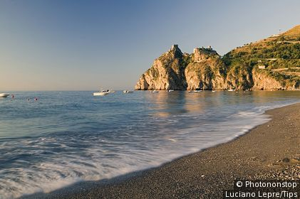 Italie, Sicile, Sant'Alessio Siculo, Zone Méditerranéenne, Méditerranée, Province de Messina - The castle