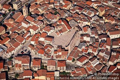 Italie, Sicile, province de Messine, San Marco d'Alunzio, vue aérienne