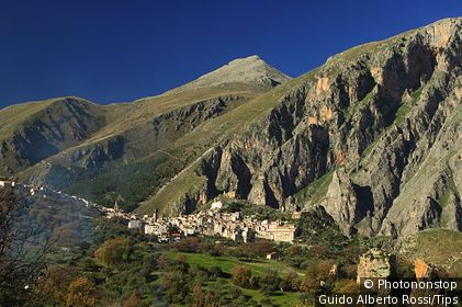 Italy, Sicily, Parco delle Madonie, Isnello, View of the village