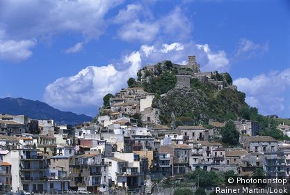 Town and castle on a mountain, Forzo d` Agro, Sicily, Italy, Europe