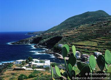Cala di Gadir. Italie, Sicile, île de Pantelleria