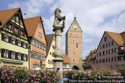 Allemagne, Bavière, Dinkelsbühl, place de l'ancien hôtel de ville