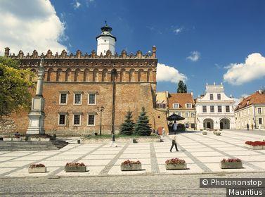 Polen, Sandomierz, Marktplatz, Rathaus Europa, Poland, Kotlina Sandomierska, Gebäude, Bauwerk,Architektur, Baustil, Renaissance, Kultur, Sehenswürdigkeit