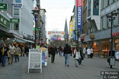 rue commerçante quartier du théatre