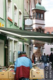 Dans une ruelle donnant sur Rathawplatz