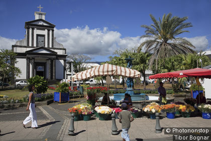 Ile de la Réunion, St-Benoît, église, marché