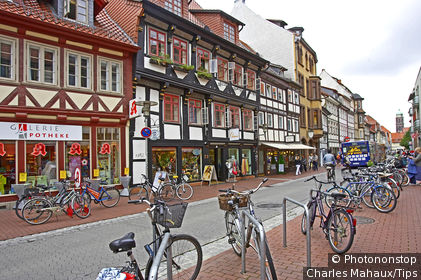 Germany, Niedersachsen land, Gottingen, street