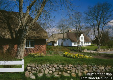 Germany, Schleswig-Holstein, island, Sylt, Keitum, residences, spring, Northern Germany, North Frisian islands North frieze country North sea houses Reetdächer, style, regional-typical, rural, silence, silence, idylls, spring,