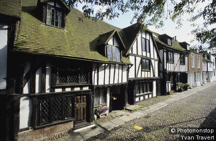 ANGLETERRE, EAST SUSSEX, RYE, FACADES MAISONS A COLOMBAGES