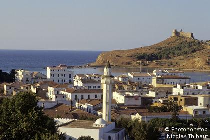 Tunisie, Tabarka, vue générale de la ville et du fort génois