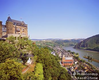 Allemagne, Rhénanie Palatinat, Oberwesel, Rhin - The Schonburg castle and the town