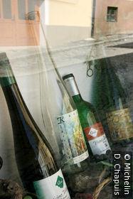 Vitrine d'une vinothèque