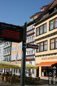 Sur Domplatz.