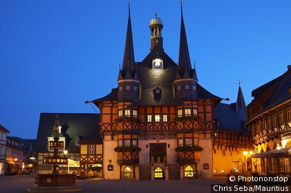 Germany, Saxony-Anhalt, Wernigerode, town hall, evening, illuminates