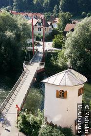 Pont sur la Mur