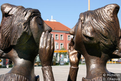 Détails de sculture sur Koloman-Wallisch Platz