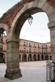 Arcade donnant sur la plaza del Mercado Chico