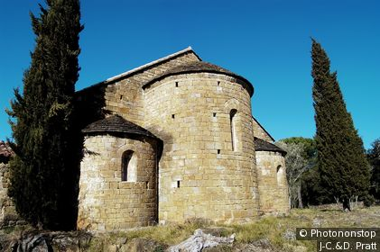 Espagne, Catalogne, province de Gérone, Garrotxa, Beuda, église romane de Sant Domènech de Palera (11ème siècle)