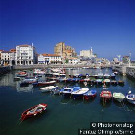 Espagne;Cantabrie - Spain, España, Cantabria, Castro Urdiales village, harbour