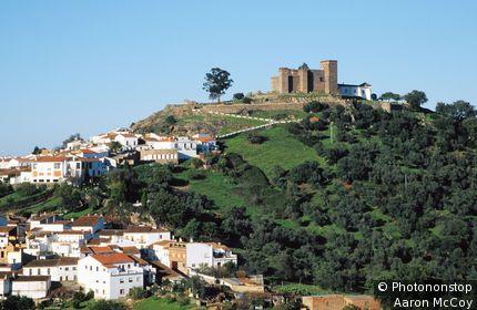 Espagne, Andalousie, province de Huelva, Sierra Morena, château de Cortegana (13ème siècle)