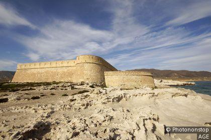 Espagne, Andalousie, province d'Alméria, Parc naturel de Cabo de Gata-Níjar, Los Escullos, château San Felipe (1765)