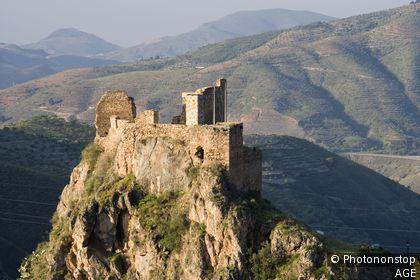 Espagne, Andalousie, Las Alpujarras, Lanjaron, château