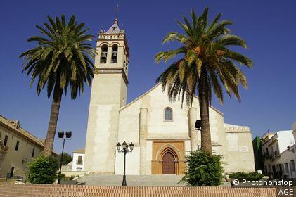 Marchena (Sevilla). España. Iglesia de San Juan Bautista en la Plaza del Cardenal Espínola del pueblo sevillano de Marchena