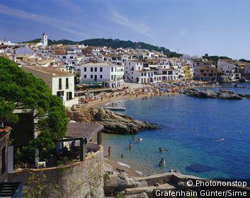 Espagne, Catalogne, Calella de Palafrugell, Zone Méditerranéenne, Méditerranée, Province de Girona, Costa Brava - View of the beach