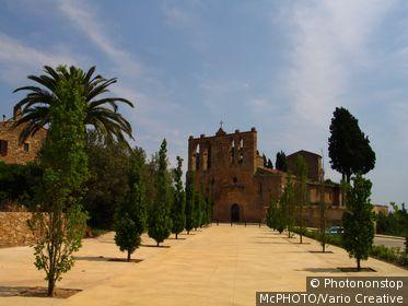 Spanien, Costa Brava, Peratallada, Sant Esteve