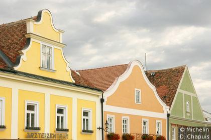 Façades colorées sur Hauptplatz