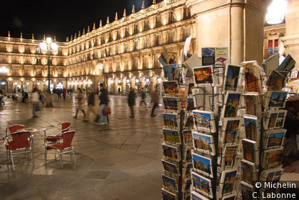 La plaza mayor le soir