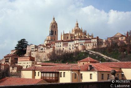 Vue panoramique de la vieille ville depuis le sud