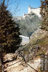 Alcazar depuis le sentier qui longe la Cuesta de los Hoyos